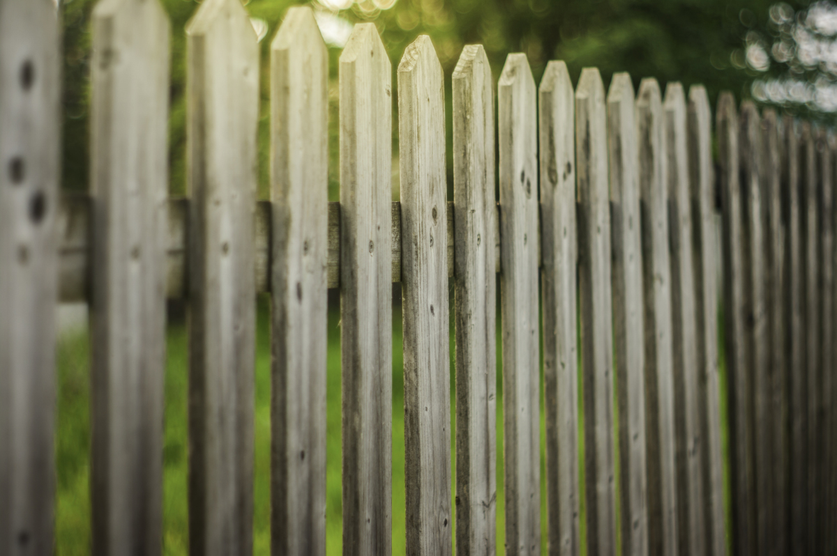 wooden fence restoration experts in st paul