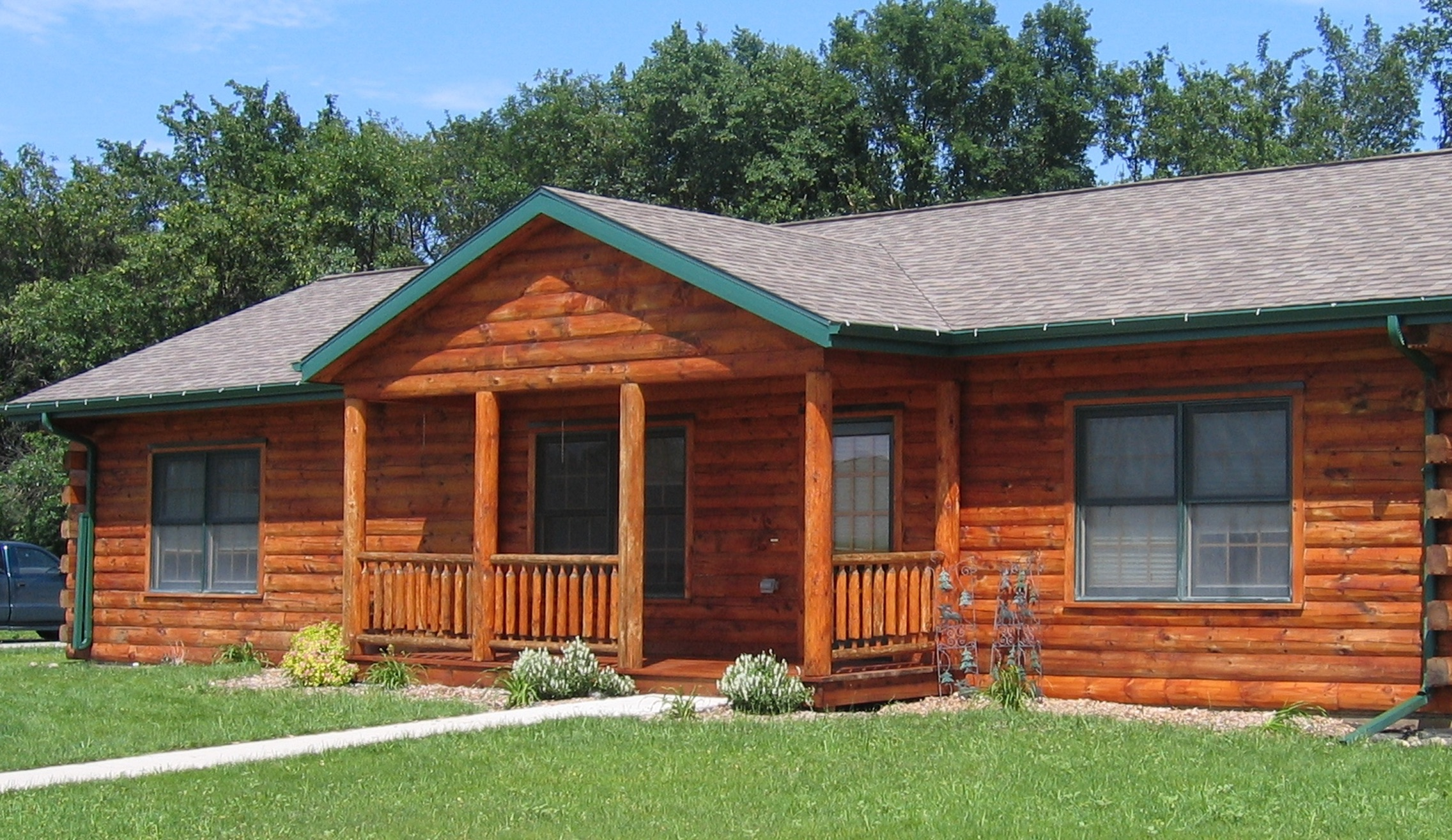 Cedar cabin siding cleaning in greater twin cities metro