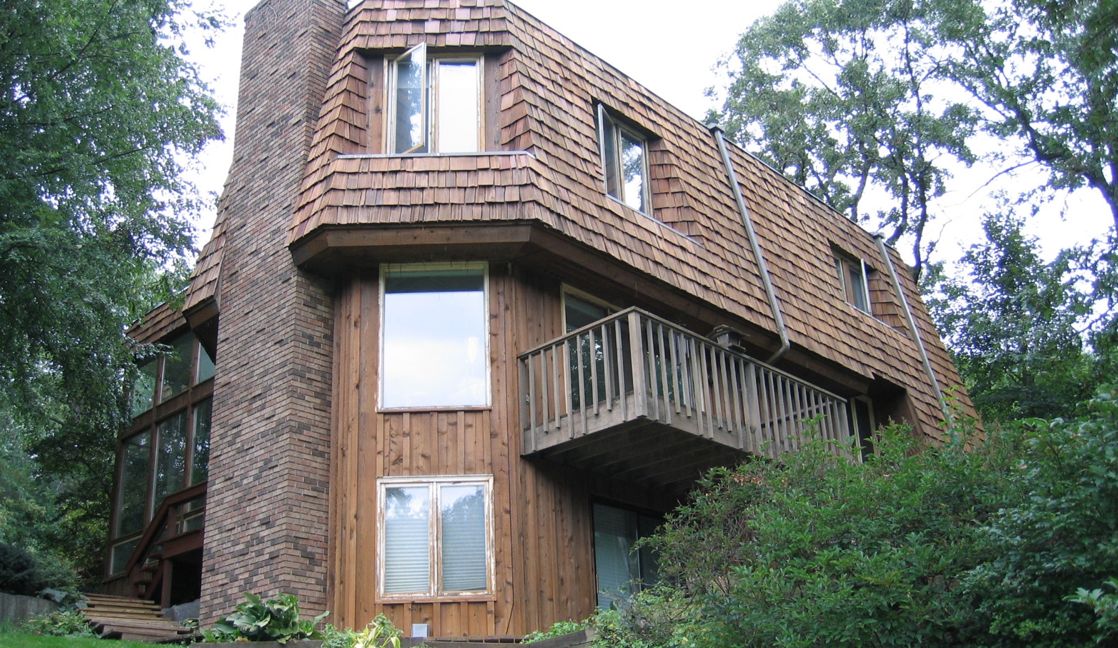cedar siding cleaning in minneapolis