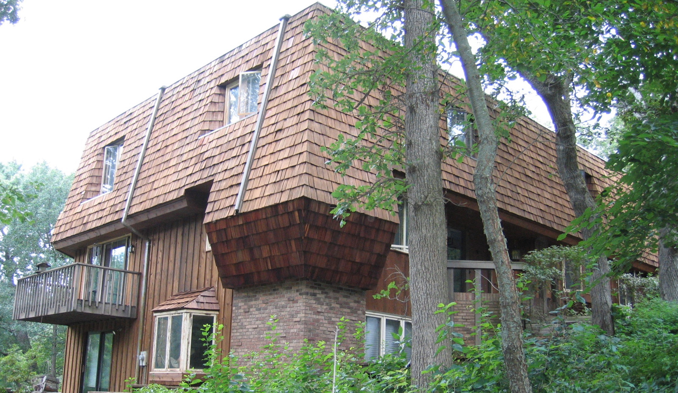 Twin Cities cedar roof and cedar siding power washing