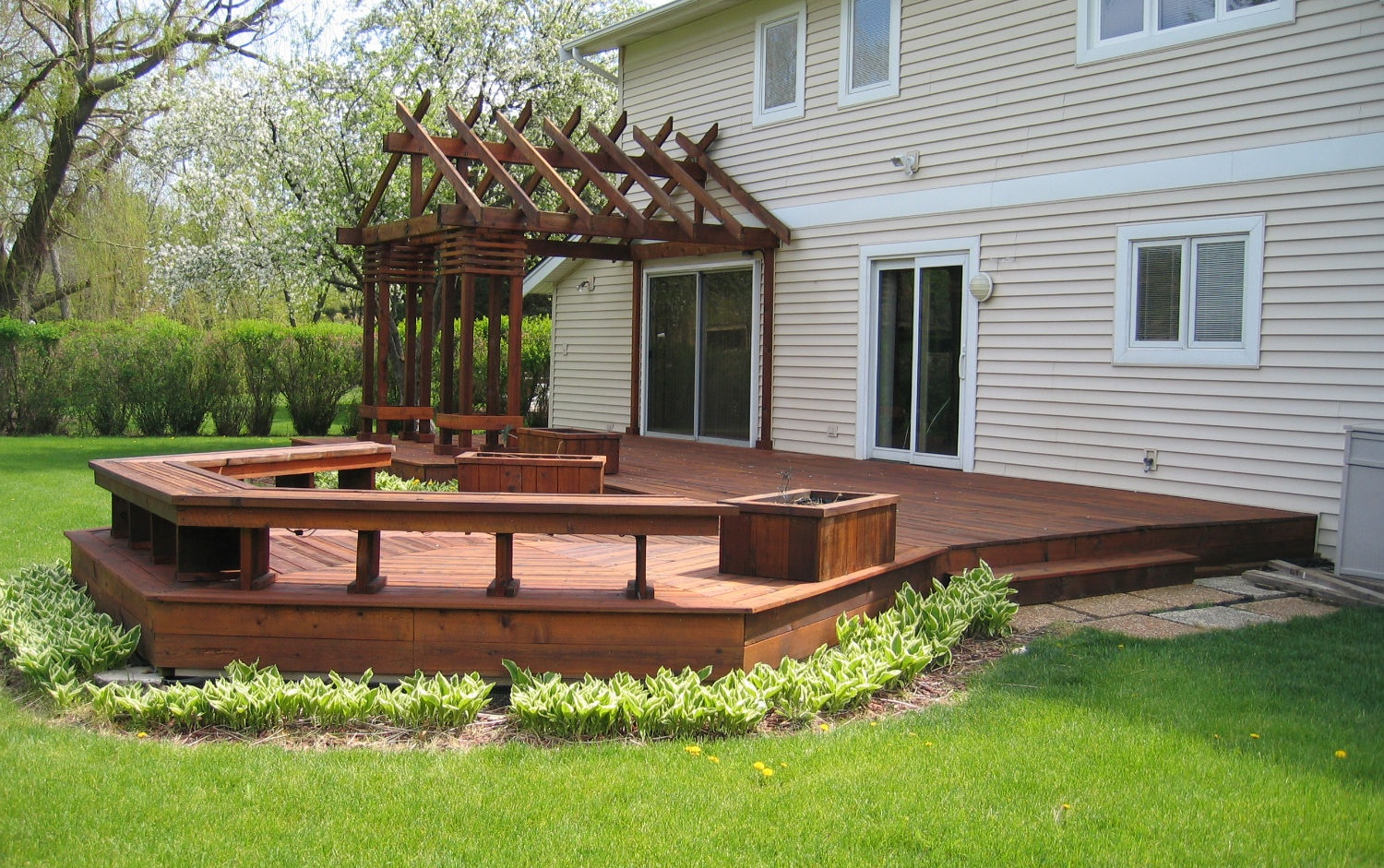 Deck power washing in Minneapolis