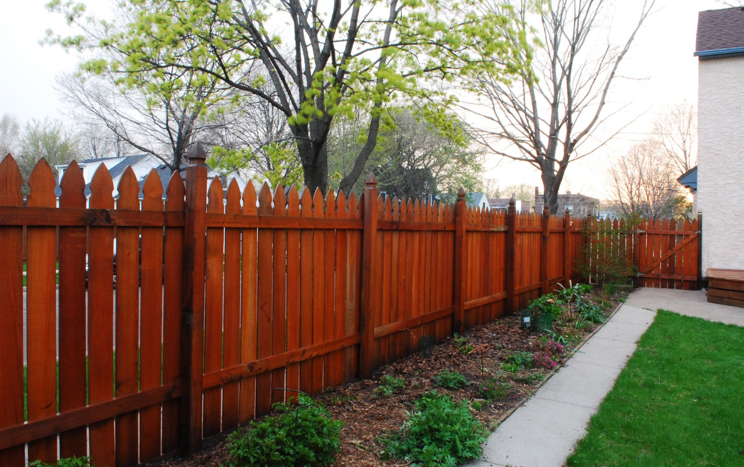 wooden fence power washing in minneapolis